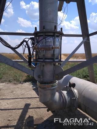 Control valve with 8 pressure regulator
